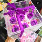Композиция из неувядающих цветов в прозрачной шкатулке